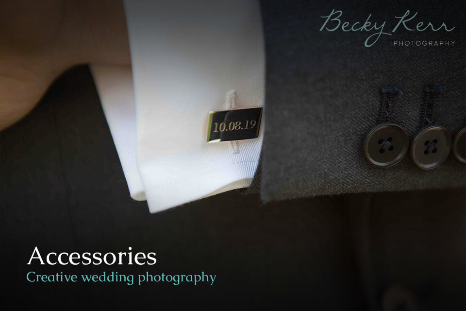 An example of using accessories in creative wedding photography