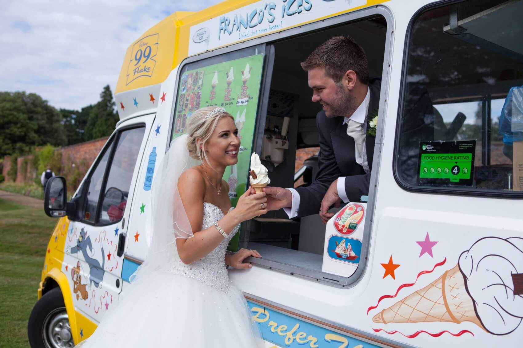 Icecream van for a vintage wedding at Flitwick Manor